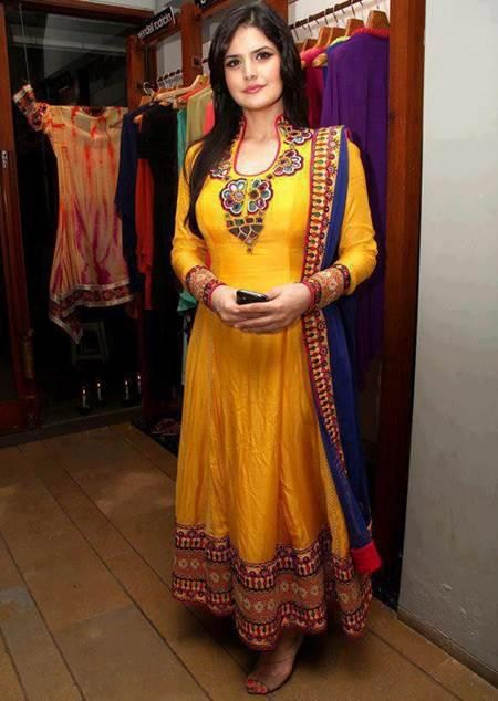 Beautiful Anarkali Frocks Designs For Mehndi