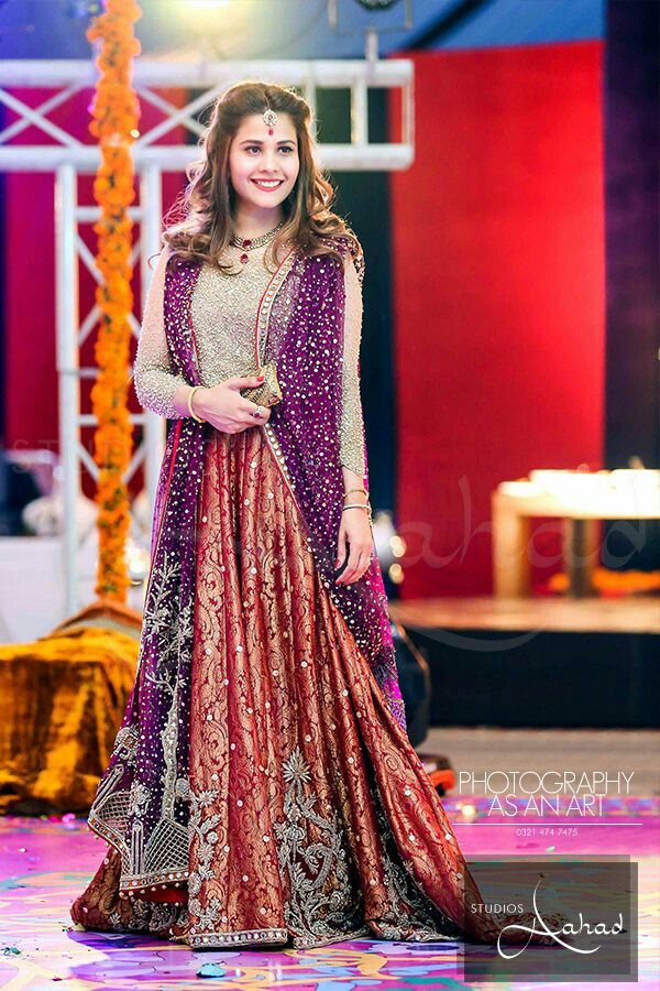 Beautiful Pakistani Bridal Lehenga Dresses Designs & Styles
