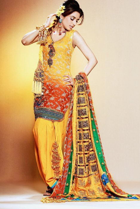 Latest Bridal Mehndi Dresses Collection For Women