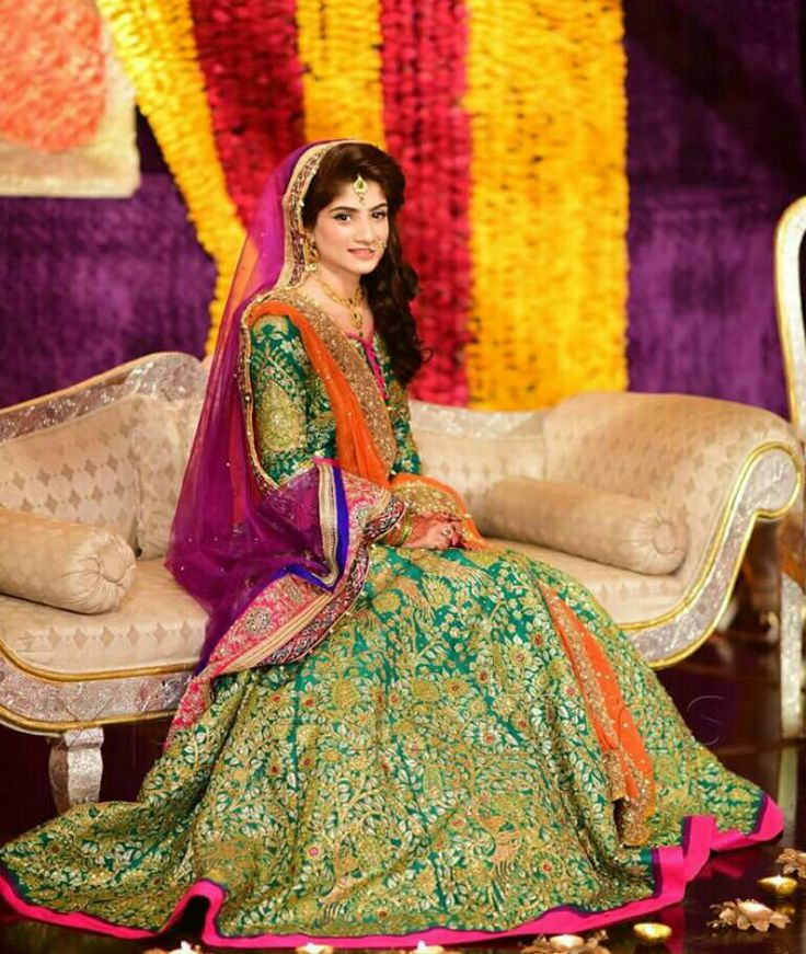 Mehndi Dresses For Pakistani Stylish Girls