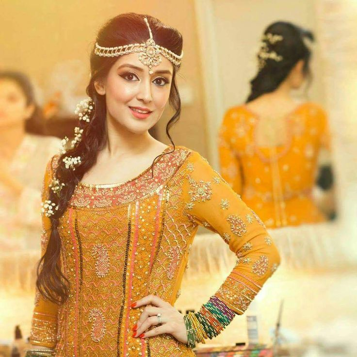 New Mehndi Dress Designs Collection For Women