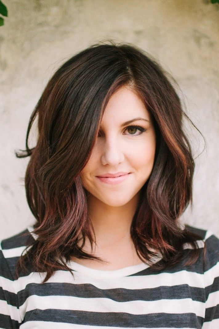 Layered Medium Wavy Hairstyle for Thick Hair